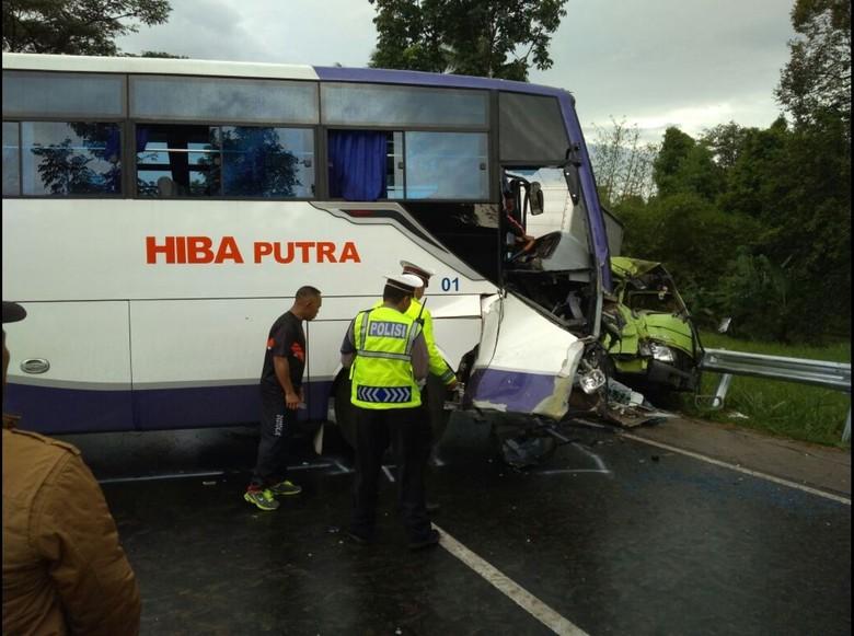 Kecelakaan Beruntun di Cianjur, Korban Alami Luka Ringan