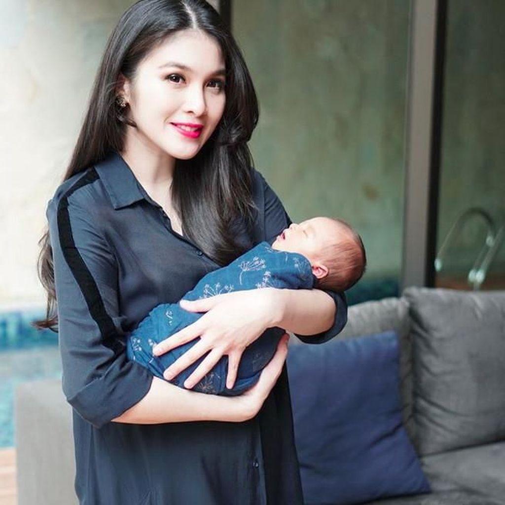 Sandra Dewi Sudah Jadikan Anak Model Iklan Sejak Usia 4 Bulan