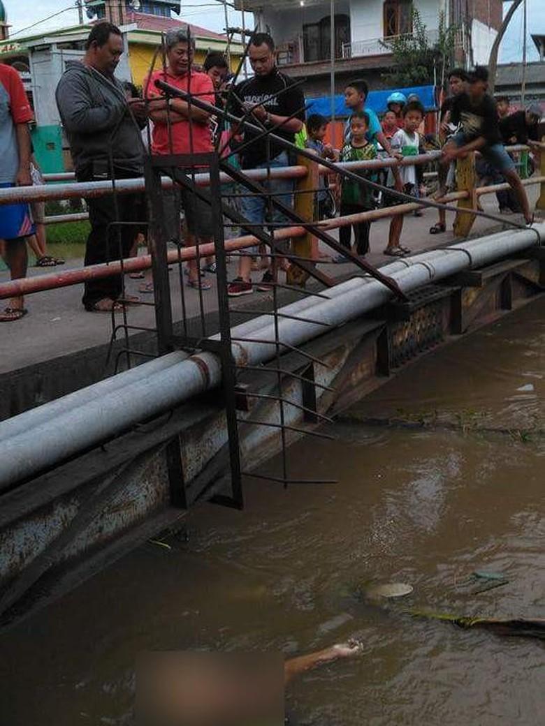 Geger Penemuan Mayat Perempuan Telanjang di Bawah Jembatan Bibis