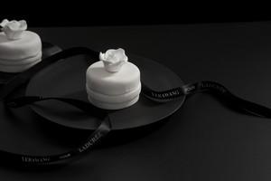 Keren! Kolaborasi Vera Wang dan Laduree Hasilkan Kue Pengantin Super Cantik