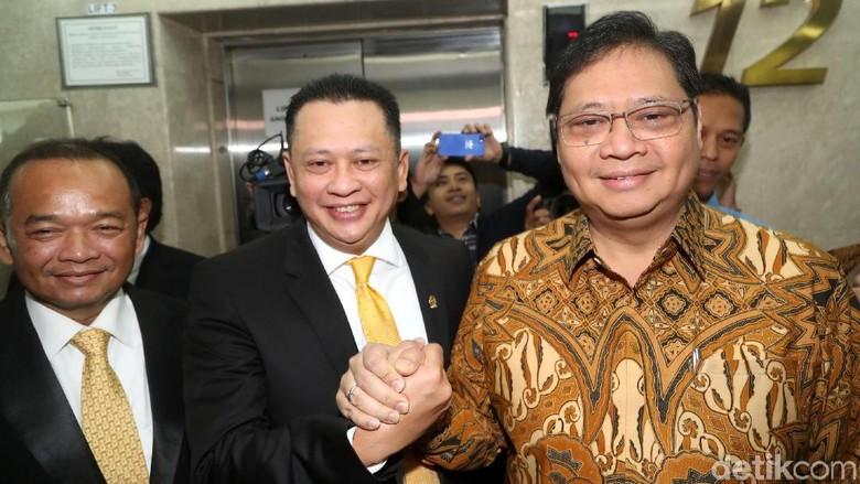Foto: Senyum Semringah Bamsoet Setelah Diumumkan Jadi Ketua DPR