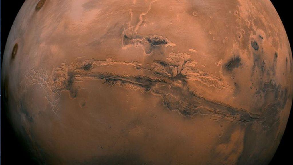 Mars Bisa Dilihat Mata Telanjang Saking Dekatnya