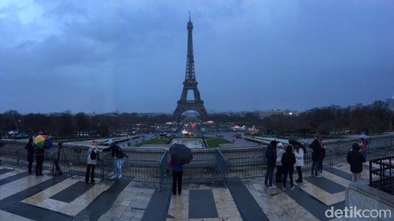 Menara Eiffel di Paris, Prancis