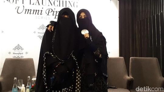 Berbisnis, Ini Penampilan Perdana Pipik di Depan Media usai Isu Dinikahi Sunu