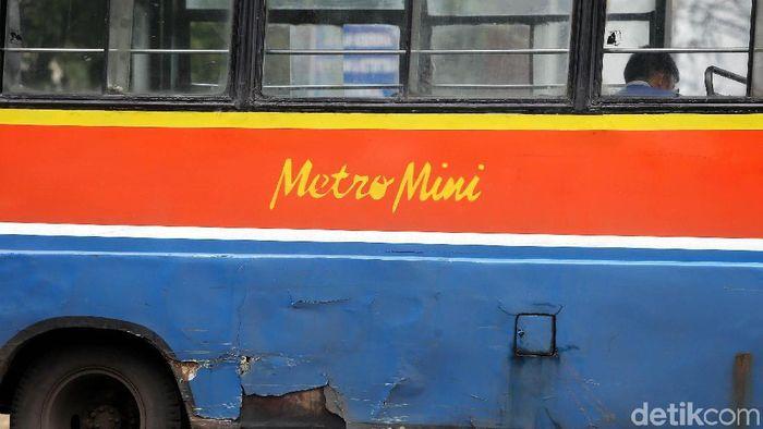 Senja Kala Metromini