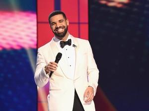 Syuting Video Klip di Sekolah, Drake Juga Beri Donasi