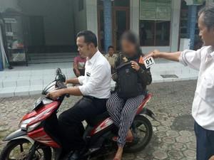 Polisi Ringkus Sepasang Kekasih yang Buang Bayinya di Masjid