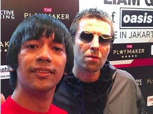 Foto Bareng Liam Gallagher, Rian DMASIV Menunggu Sejak Pagi