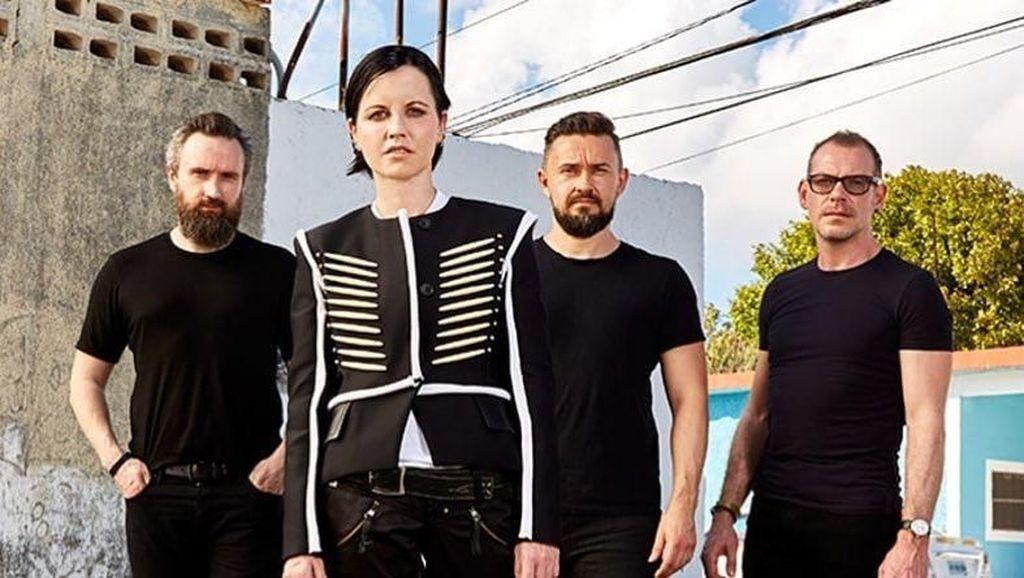 Mengenang Dolores ORiordan, The Craberries Lanjutkan Album