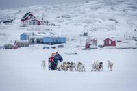 Kereta salju, salah satu moda transportasi di Greenland (Visit Greenland)