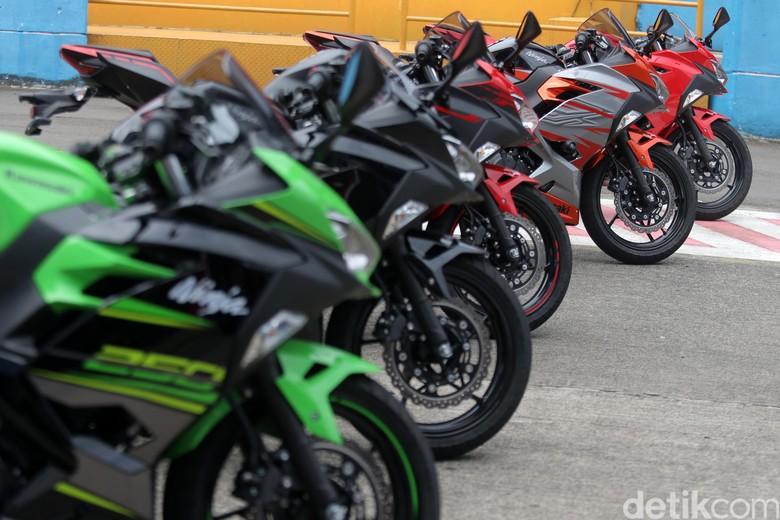 Kawasaki Ninja 250 Foto: Agung Pambudhy