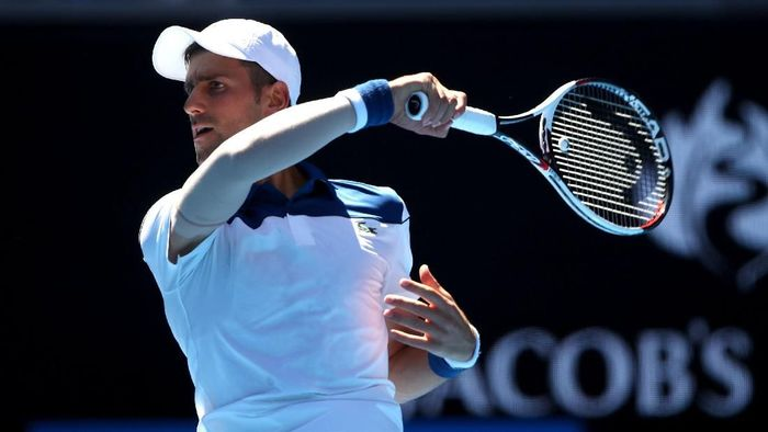 Novak Djokovic menang tiga set langsung di babak pertama Australia Terbuka 2018 (Foto: Clive Brunskill/Getty Images)