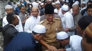 Buku Asmaul Husna hingga Kebaya Encim Dilaporkan Sandiaga ke KPK