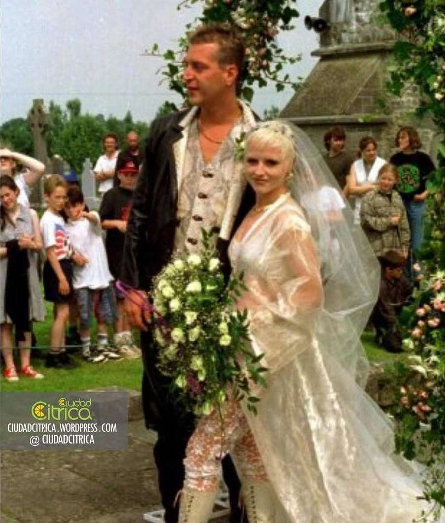 Siapakah Dolores ORiordan di Luar The Cranberries?