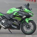 Geber Kawasaki Ninja 250 Baru di Sentul