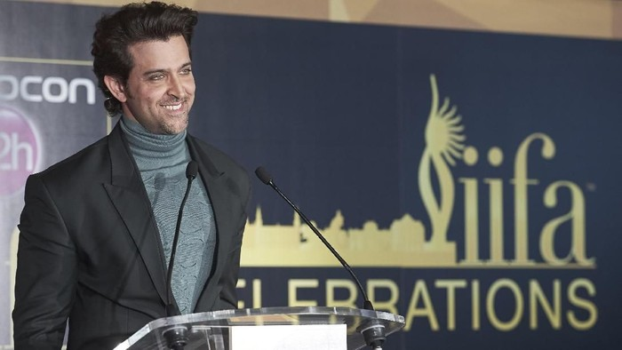 MADRID, SPAIN - MARCH 14:  Indian actor Hrithik Roshan attends the 17th International Indian Film Academy (IIFA) awards press conference at the Retiro Park on March 14, 2016 in Madrid, Spain.  (Photo by Carlos Alvarez/Getty Images)