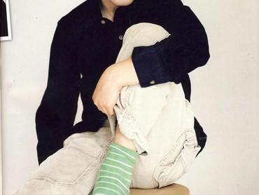 Aksi Pangeran Felix cilik saat jadi model di sebuah majalah. (Foto: Instagram @felixofdenmark)