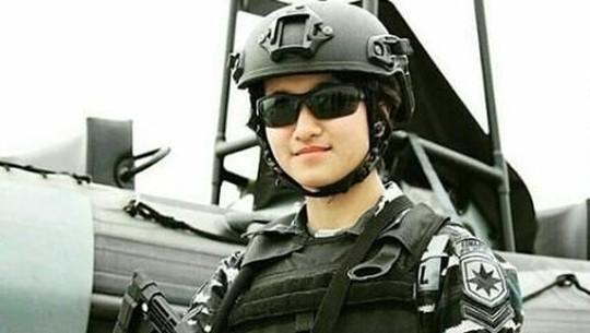 Dina Abharina Si Tentara Cantik, Inul dan Hotman Paris Mesra