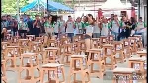 Viral Kontes Burung di Surabaya Diiringi Tarian Seksi