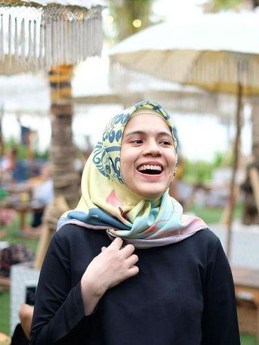7 Brand Hijab Milik Artis Cantik yang Bisa Kamu Pilih untuk Ramadan