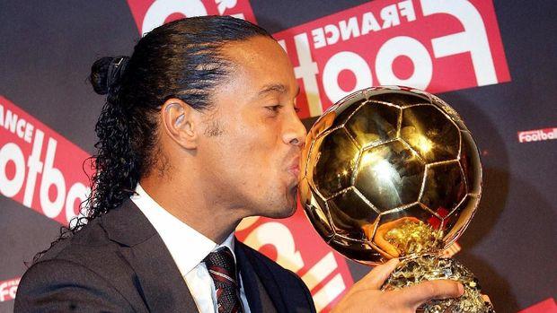 Ronaldinho adalah sosok yang mengenalkan Kobe Bryant pada Lionel Messi.