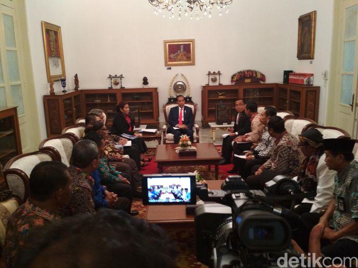 Jokowi terima nelayan cantrang di Istana (Foto: Hendra Kusuma/detikFinance)
