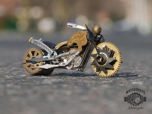 Karya Seni Miniatur Motor Ini Dibuat Selama 50 Jam