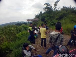 Risi Disebut Negara Lalat, Warga Sukabumi Tolak Peternakan Ayam