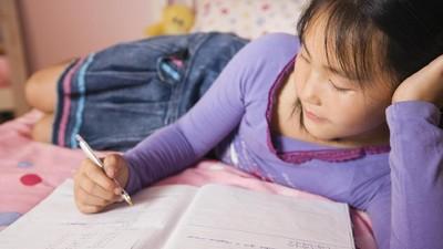 5 Kegiatan Menulis yang Asyik buat Anak untuk Isi Liburan