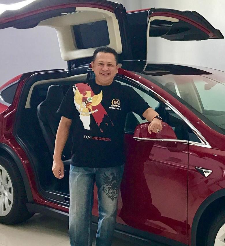 Bamsoet Sudah Cantumkan 2 Mobil Tesla Miliknya di LHKPN