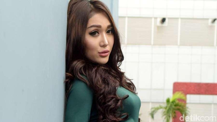 Andika Kangen Band Gandeng Mesra Isyana, Cinta Laura Di-bully karena Foto Ini
