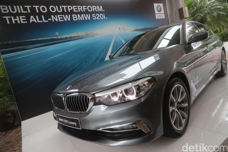 BMW 520i Luxury Buatan Indonesia. Foto: Grandyos Zafna Manase Mesah