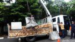Beton Pembatas di Jalan Asia Afrika Dibongkar