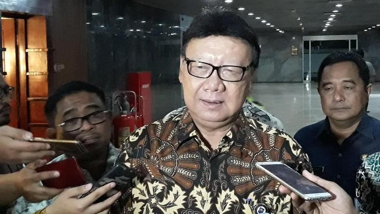Soal Cawapres Jokowi, Tjahjo: Saya TNI dan STMJ