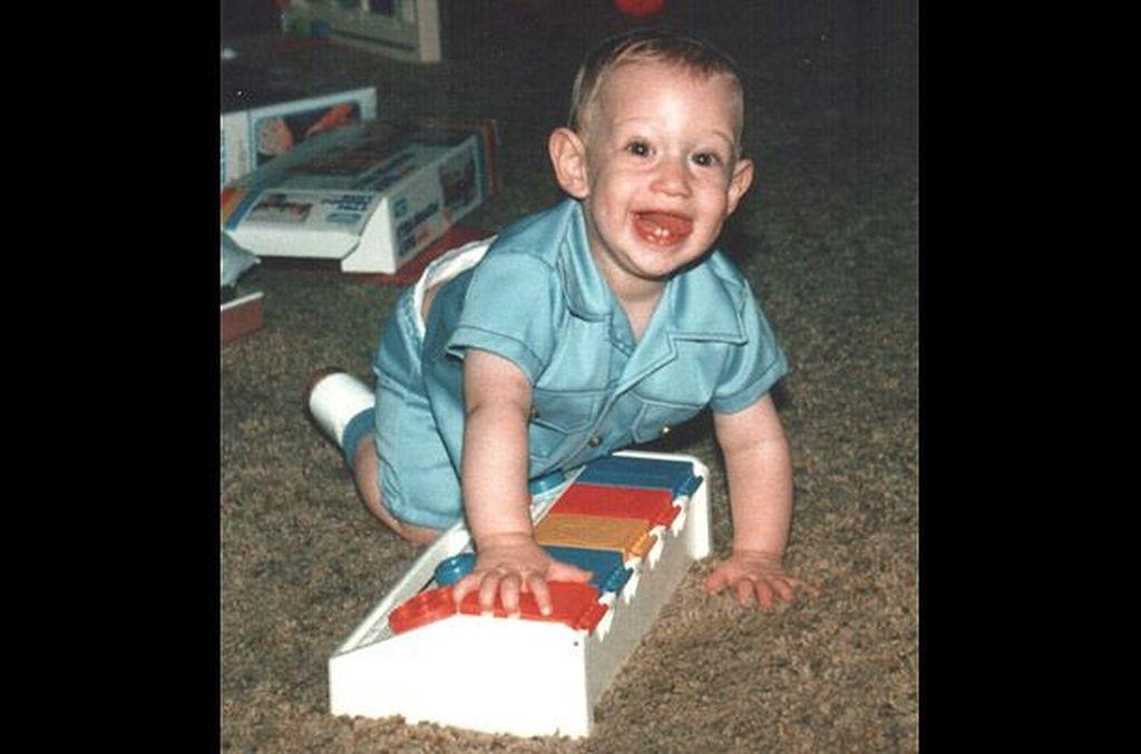Ini kala Zuck berumur 1 tahun. Dia dilahirkan pada 14 Mei 1984. Foto: Facebook