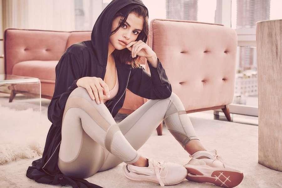 Saat Selena Gomez tampil Seksi dan Sensual