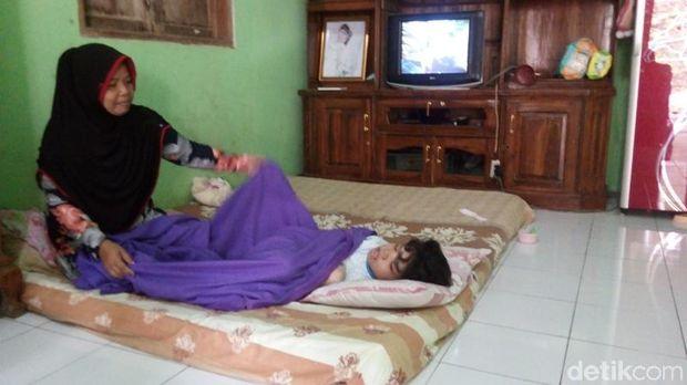 Sabrina, Gadis Penderita Cerebral Palsy di Semarang