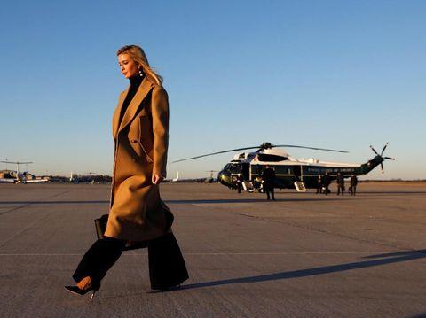 Ivanka Trump akhirnya menutup label busananya demi fokus di karier politik.