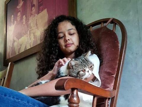Anak Anies, Tia dengan Loki /