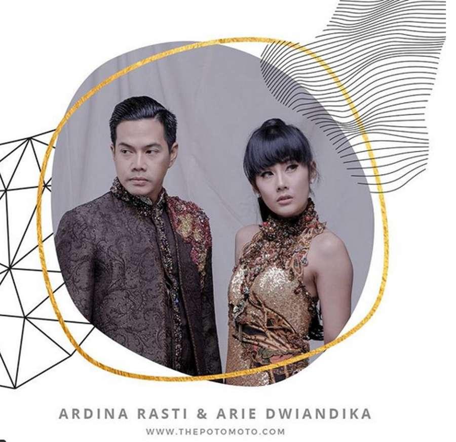 Ini Foto Prewedding Ardina Rasti dan Duda Kece Arie Andika