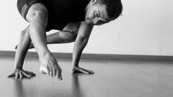Seiring bertambahnya usia, para artis senior Indonesia ini justru tampil semakin macho karena kebiasaannya berolahraga.