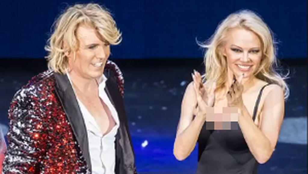 Di Usia 50, Pamela Anderson Tetap Seksi Pakai Leotard