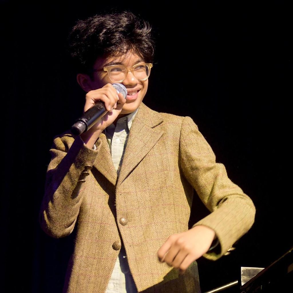 Pemandangan Malam Manhattan di Video Klip Joey Alexander Moments Notice