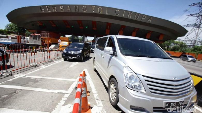 Gerbang Tol Cikupa (Foto: Hasan Alhabsy)