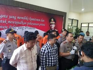 Polisi Tangkap 9 Remaja Saat Pesta Ganja