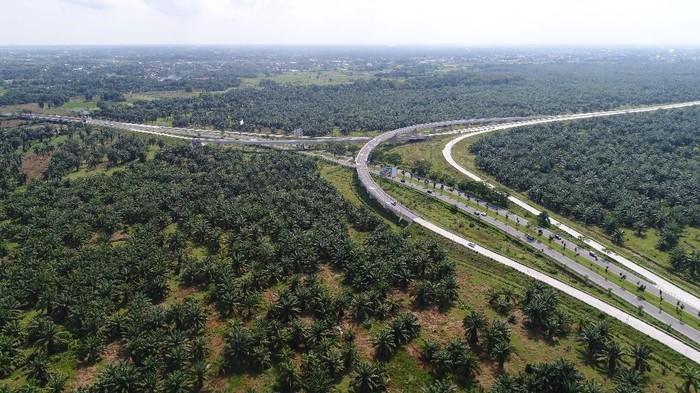 Tol Medan-Kualanamu-Tebing Tinggi seksi 1 dari Tanjung Morawa ke Perbarakan bakal tersambung Tol Belawan-Medan-Tanjung Morawa (Belmera) pada April 2018 mendatang.