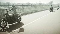 Prisia Nasution juga ternyata penggemar sepeda motor custom. Foto: Instagram Prisia Nasution