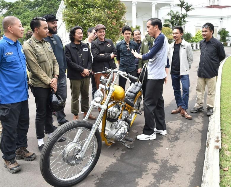 Jokowi dan Motor Chopper Emas di Istana Bogor. Foto: Rusman/ Biro Pers Setpres
