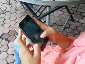 Dua Pelajar Kecanduan Smartphone, Ini Kata Dewan Pendidikan