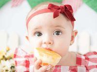 Sedang Hamil Anak Kedua, Begini Cara Carissa Putri Ajarkan Makan Sehat Untuk Quenzino